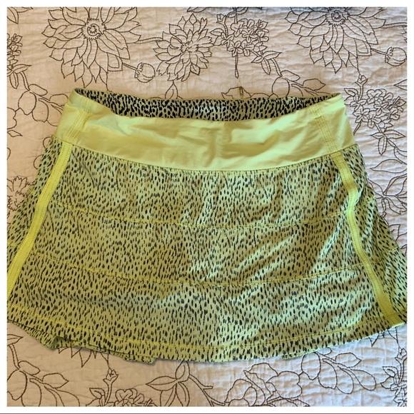 Lululemon Pace Rival Mid Rise Skirt.